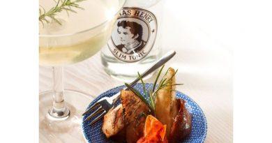 Moderne Traumpaare –Thomas Henry vermählt leckere Drinks mit leichten Snacks