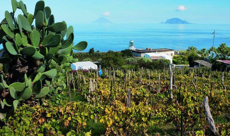 Inselhüpfen mit Wanderschuhen auf den Liparischen Inseln