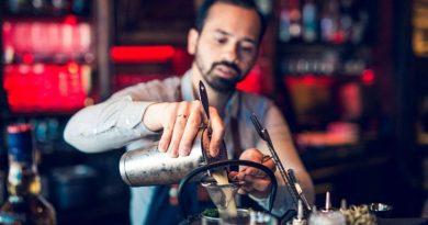Bartender aus dem Hamptons Scharbeutz kreiert frischen Urlaubsdrink mit Meeresflavour