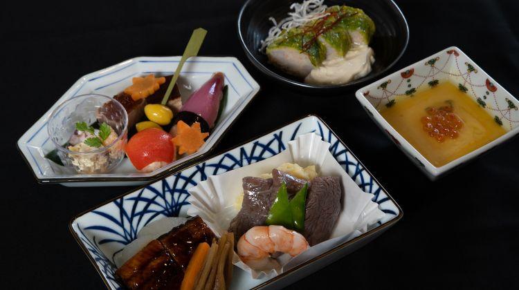 Ab Herbst gibt es in der Business Class auf Flügen von Deutschland und Belgien nach Japan ein vom japanischen Sushi-Meister Hiroshi Sakai kreiertes und inspiriertes Menü