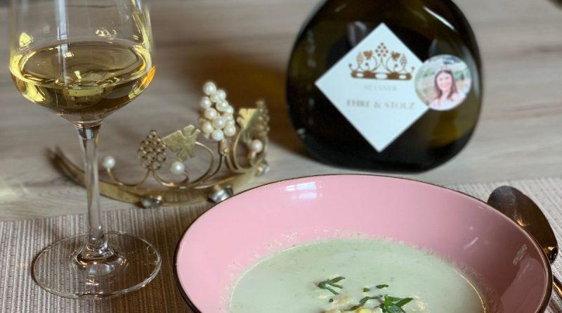 Spargel-Bärlauch-Süppchen: Ein Rezept der Fränkischen Weinkönigin Carolin Meyer - Foto Gebietsweinwerbung Frankenwein-Frankenland GmbH