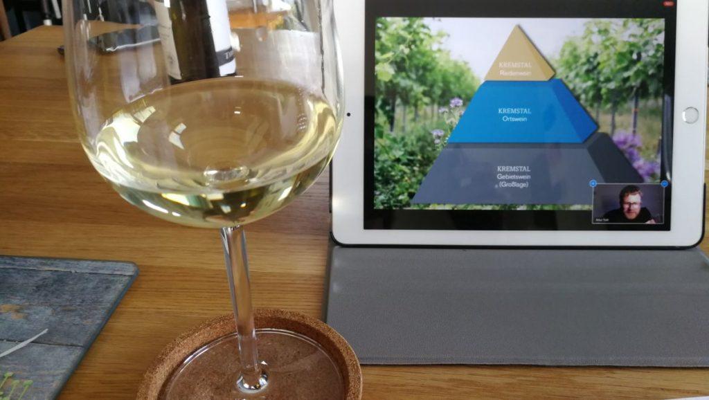 Online Verkostung mit dem österreichischen Weingut Thiery-Weber im Kremstal - Foto: Tutti i sensi