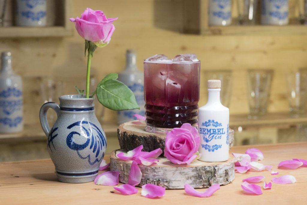 Der Blueberry Shrub mit Bembel Gin - Foto: Bembel Gin