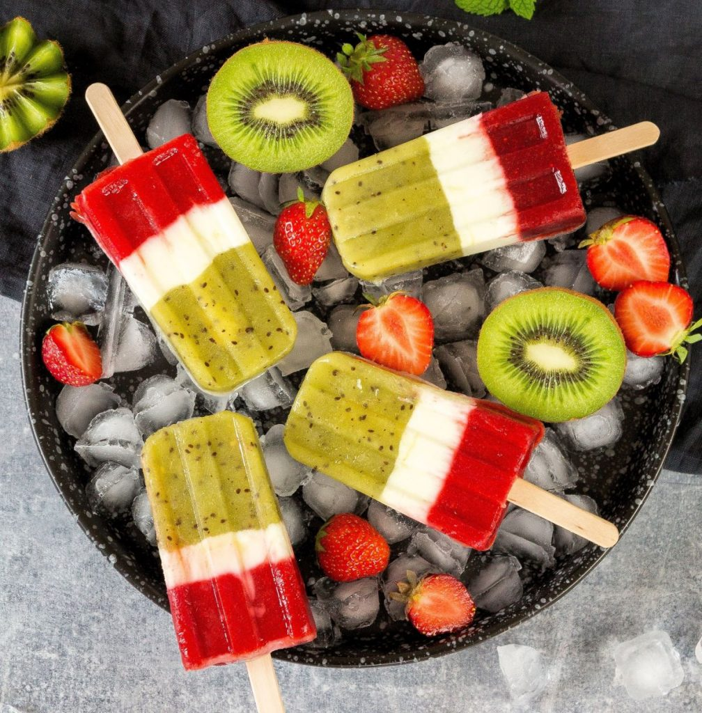 Rezept Kiwi-Eis mit Joghurt und Erdbeeren - Foto: Zespri
