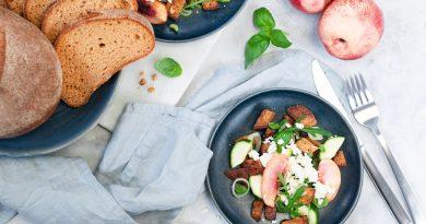 Fruchtiger Brotsalat mit Rucola - Rezept für Tutti i sensi von Bpure