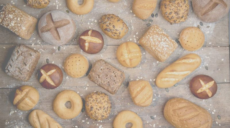 Das glutenfreie Sortiment von B:PURE bietet eine große Auswahl an verschiedenen Brötchen, Broten und feinen Backwaren.