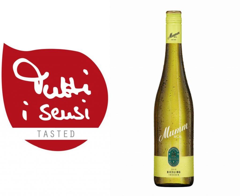 Frisch und fruchtig – Der Riesling Rheinhessen von Mumm & Co - Foto Flasche: Mumm & Co.