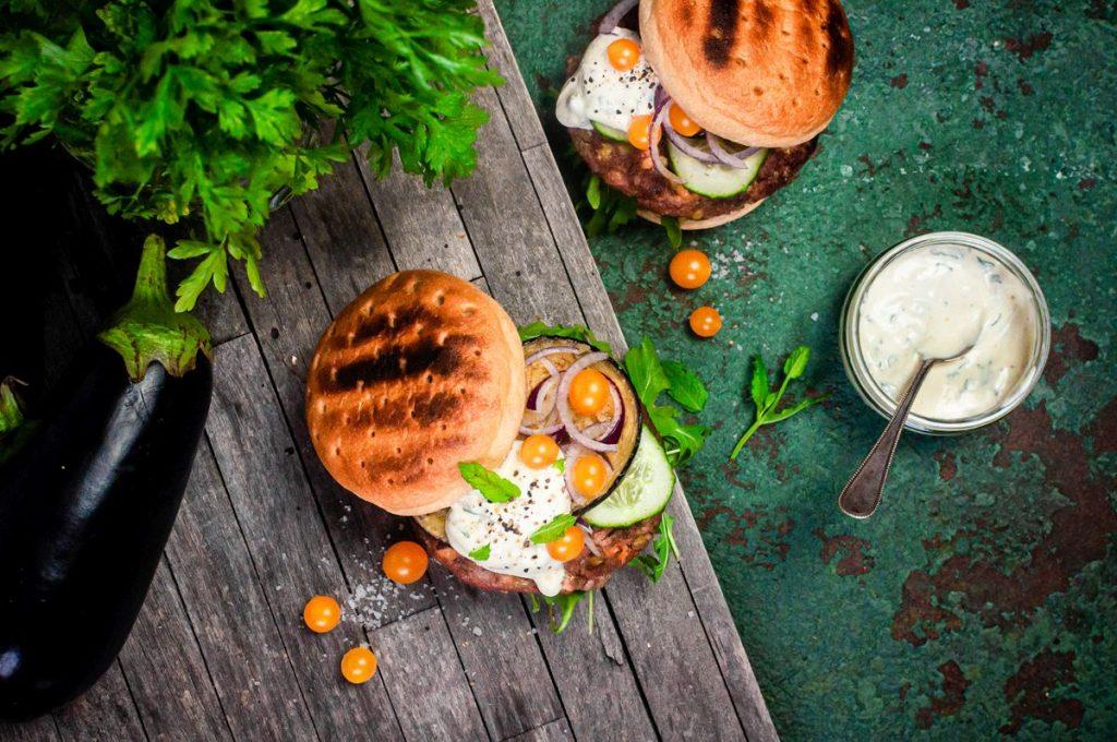 Glutenfreies und veganes Burger-Rezept von B:Pure - Foto: B:Pure
