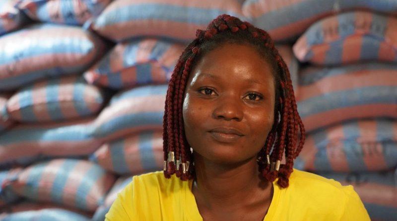 Wini Angéle Gnimle, Managerin des Aufbereitungslagers des GEPA-Partners gebana Togo, Foto: GEPA