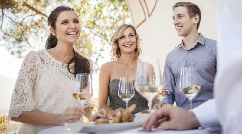 Wein im Freien / Bild: Konsortium Südtirol Wein
