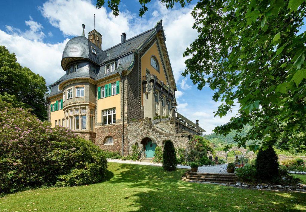 Imposante Jugendstil-Villa: Weingut Villa Huesgen in Traben-Trarbach an der Mittelmosel.