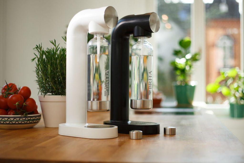 Wassersprudler sodaOne von Brita in Mattweiß und Mattschwarz / Foto: Brita GmbH