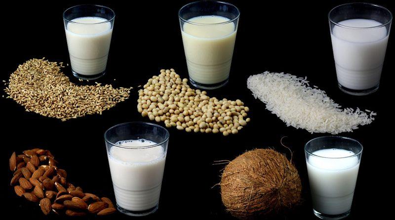 Milchersatzprodukte gibt es mittlerweile aus Hafer, Soja, Reis, Mandeln und Kokosnuss - Foto: Verbraucherzentrale NRW
